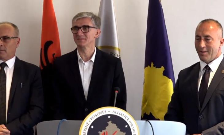 Arbër Vllahiu: Prishtina nuk mund të udhëhiqet me bllokada e inate
