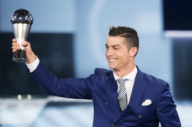 """FIFA shpall listën e kandidatëve për trofeun e """"Lojtarit të Vitit"""""""