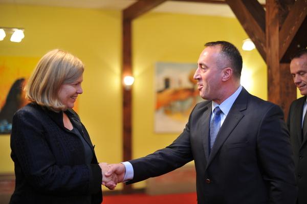 Viets: Kosova rrezikohet nga një ngërç politik afatgjatë