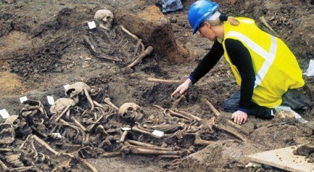 Rinisin gërmimet për varreza masive në Suhodoll të Mitrovicës