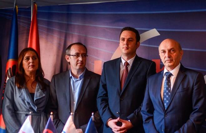 """""""Të paditurit e sollën Kosovën këtu"""" – Deputeti i LDK-së reagon pas dështimit në INTERPOL"""