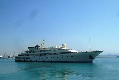 Princi i Arabisë Saudite mbërrin me jaht në Portin e Durrësit