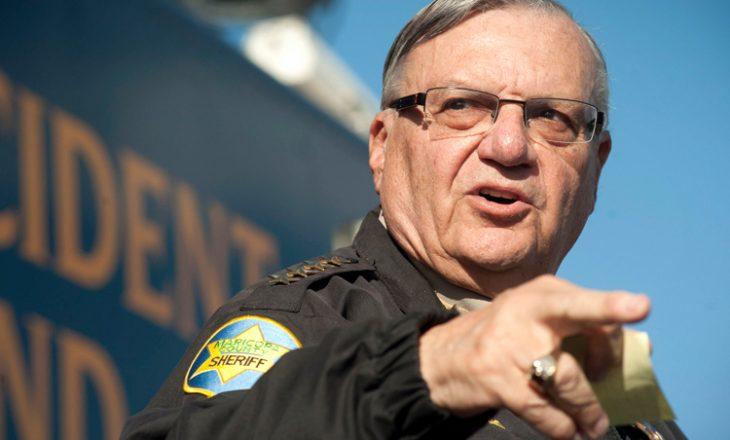 Trump fal sherifin kontrovers të Arizonës