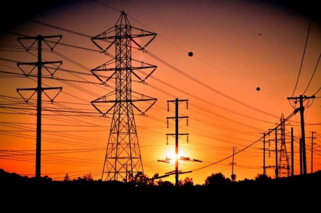 Ministria e Mjedisit thotë se dështimi i KEK-ut solli krizën energjetike
