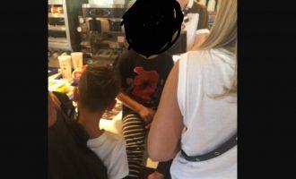 """Fëmija në McDonalds i veshur me bluzën e """"dronit"""" alarmon mediat serbe"""