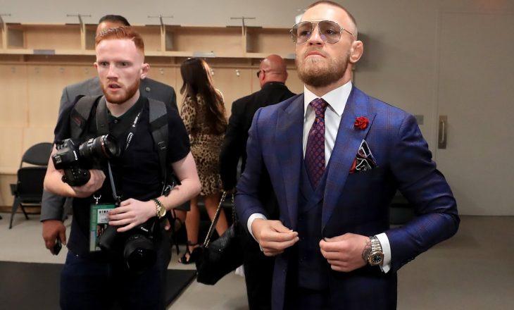 McGregor flet para duelit me Mayweather