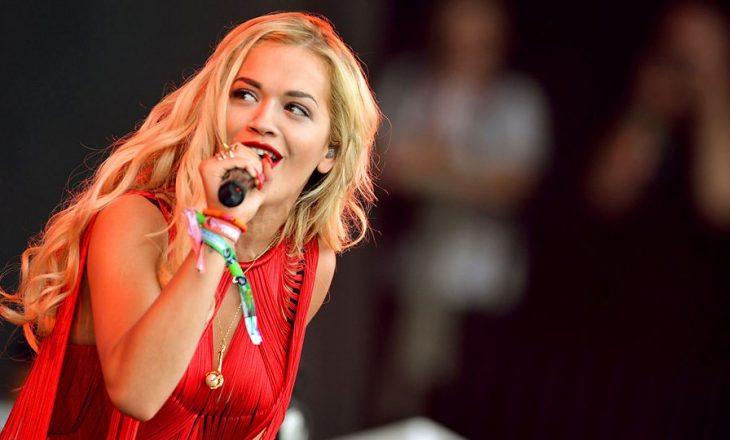 Rita Ora nervozon fansat kur iu tregon për vitin e lansimit të albumit