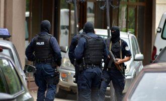 Një 15 vjeçare në mesin të arrestuarve nga grupi ruso-serb në Kosovë