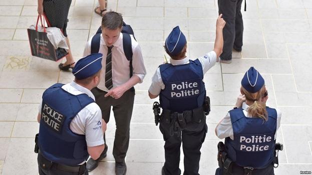 Bruksel: Policia e vrau një person i cili i sulmoi me thikë ushtarët