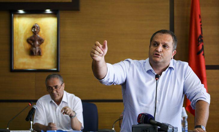 Ahmeti paralajmëron padi ndaj PDK-së