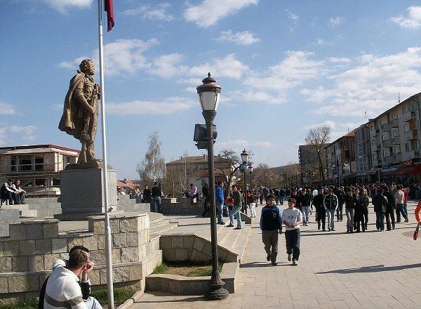 Policia identifikon sulmuesin e kandidatit të Nismës në Skenderaj