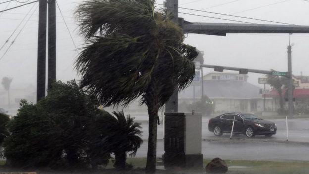 Stuhi të forta godasin zonat bregdetare