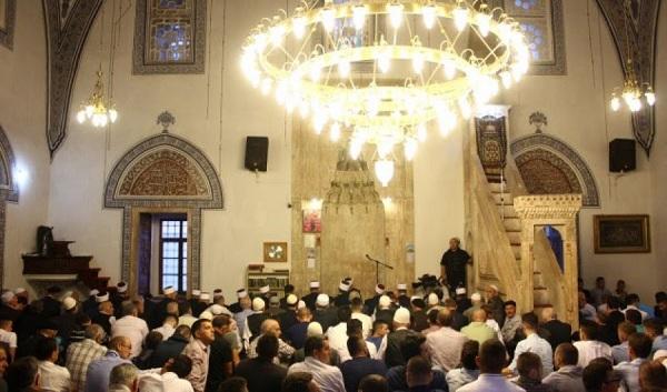 Besimtarët myslimanë nesër kremtojnë Bajramin e Vogël