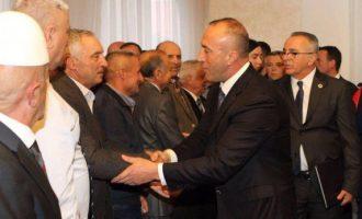 Haradinaj ia uron fitoren Gashit në Pejë