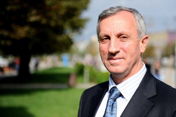 Ish-kryetari i Gjilanit: Lutfi Hazirin e ndihmuan kameleonët dhe hienat