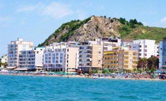 15 kosovarë helmohen në restorantin te Shkëmbi i Kavajës