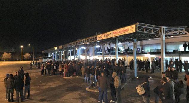 Emigrimi nga Kosova s'ka të ndalur