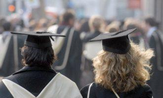 Profesorët që u përdorën për akreditim të programeve mohojnë se janë pjesë e kolegjeve