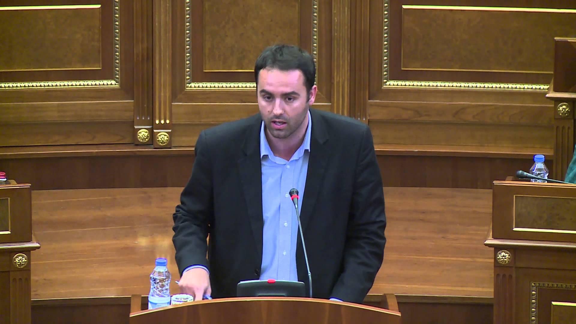 Konjufca: Për 20 vite për termocentralin Kosova e re qytetarët do të paguajnë 5 miliard euro AKTUALE