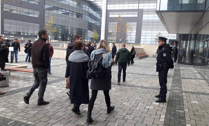 Familjarët e aktivistëve të dënuar: Kosova nuk ka fëmijë më të mirë