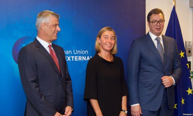 Thaçi fton Vuçiqin ta vizitojë Kosovën