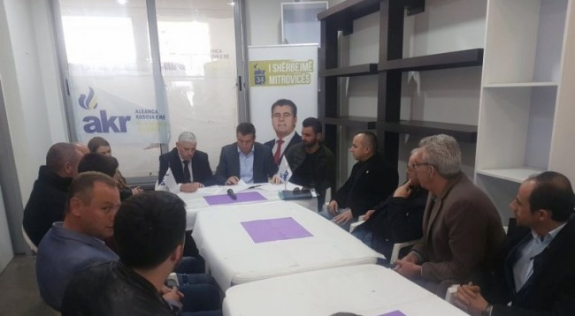Përçahet PD në Mitrovicë: Kundërshtojnë koalicionin me Bahtirin, përkrahin PDK-në