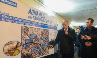 Agim Aliu prezanton projektin për infrastrukturë në Ferizaj