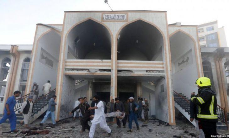Rritet në 155 numri i të vrarëve në një xhami në Egjipt