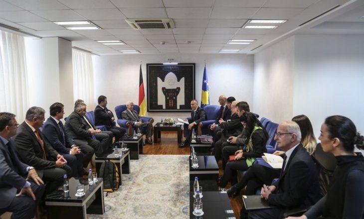 Haradinaj fton afaristët gjermanë të investojnë në Kosovë