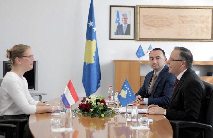 Luksemburgu premton vazhdimin e mbështetjes ekonomike