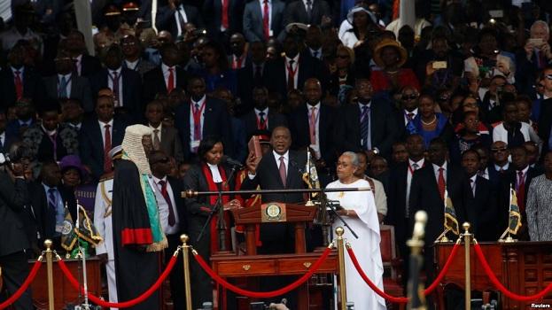 Presidenti i Kenisë bën betimin; opozita e bojkoton