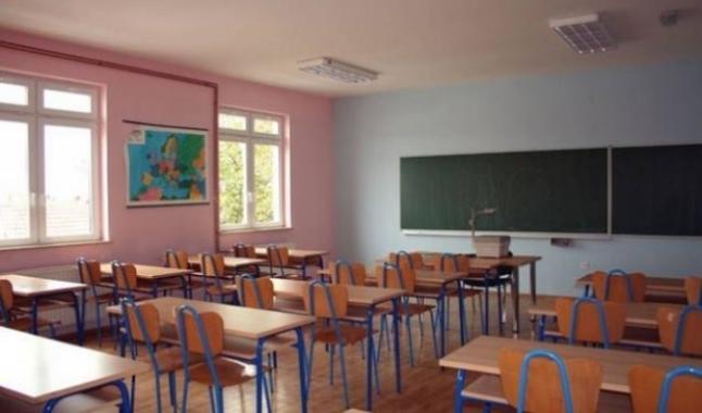 Pas tre javësh pritet të nis viti i ri shkollor, MASHT ende pa plan për formën e mbajtjes së mësimit