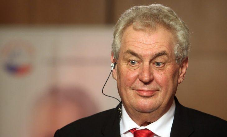 Presidenti çek akuzon BE-në për standarde të dyfishta në lidhje me Kosovën dhe Krimenë