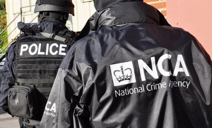 Policia britanike: Bandat shqiptare, më të pamëshirshmet në historinë e Britanisë