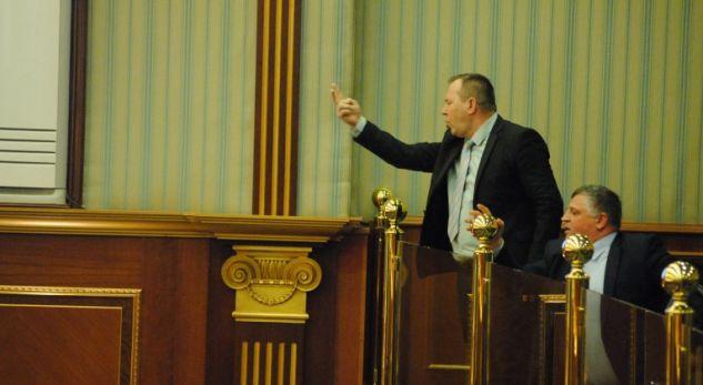 """Miratohet mocioni i LDK-së që dënon gjuhën e Haradinajt – """"Punë e madhe që jonë vra të LDK-së"""""""