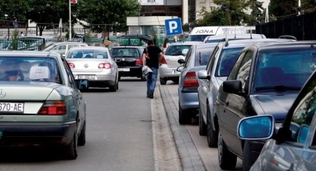Çmimet e parkingut nga muaji tetor në Prishtinë – kush nuk respekton rregulloren e re gjobitet