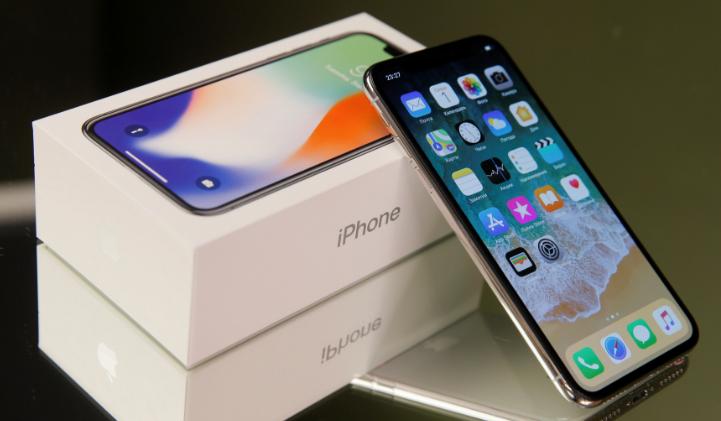 Apple hidhet në gjyq për 999 milion $