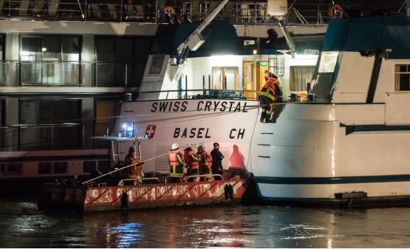 Anija zvicerane përplaset në shtyllë, 27 të lënduar