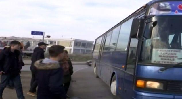 Autobusët e Lipjanit kërkojnë qasje te 'Rrethi i flamurit' në Prishtinë
