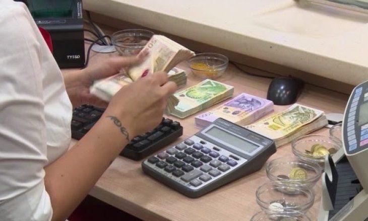 Politikanët kosovarë depozitojnë paratë e tyre jashtë shtetit