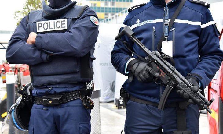 Franca mobilizon 100 mijë pjesëtarë të sigurisë për Krishtlindje