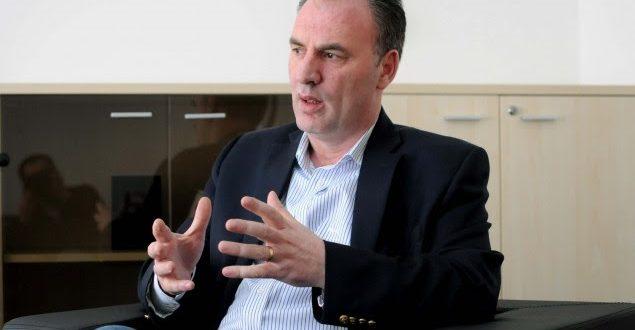 Përfitimi i dyfishtë i Fatmir Limajt nga vendimi për rritje page