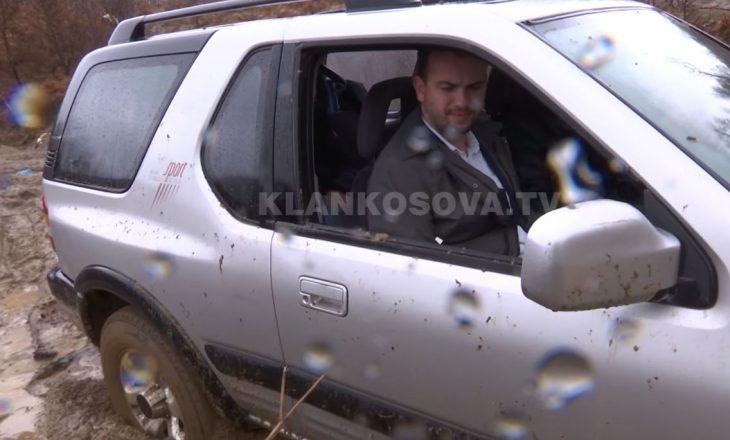 Dita e parë në terren: Kryetari i Kamenicës mbetet në baltë