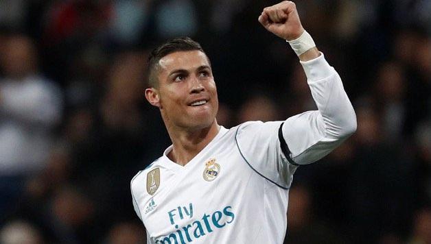 Ronaldo me stil të ri para El Clasicos