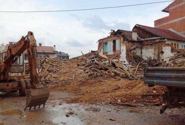 Nisin hetimet për rrënimin e shtëpisë së mbrojtur