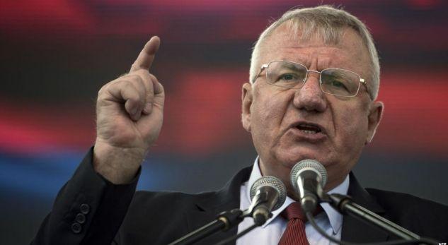 Serbia ndalon një tubim të Sheshelit