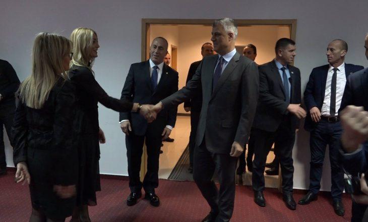 Përfundon takimi mes Haradinajt dhe Thaçit