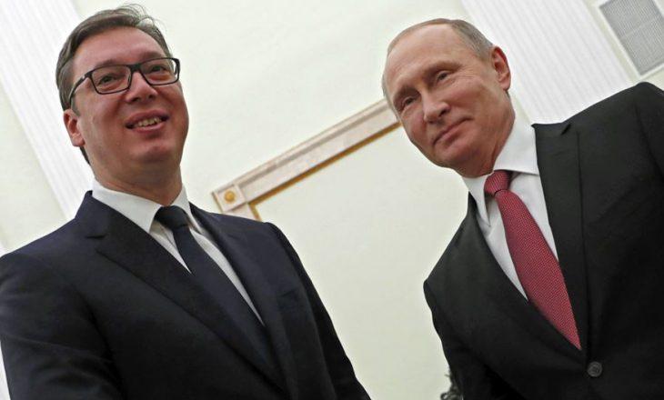 Vuçiq po përdor taktikat e Putinit për të mbetur në pushtet