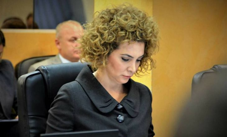 """Albena Reshitaj s'tregon sa vota mori, por thotë se """"me përgjegjësi do të ju përfaqësoj në Kuvend"""""""