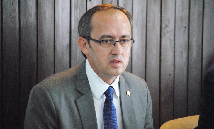 Avdullah Hoti i reagon Kadri Veselit pas akuzave për Asociacionin